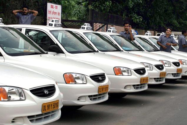 Monday chaotic as cabs strike continues